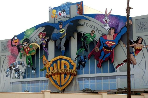 Киностудия Warner Bros. Entertainment